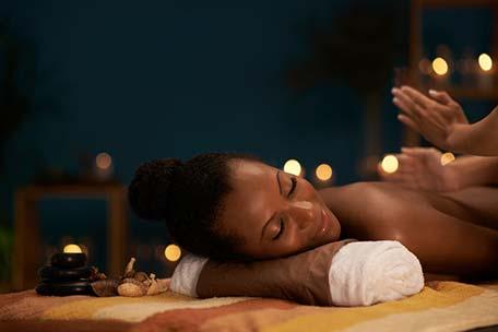 Massage pour calmer la douleur du dos